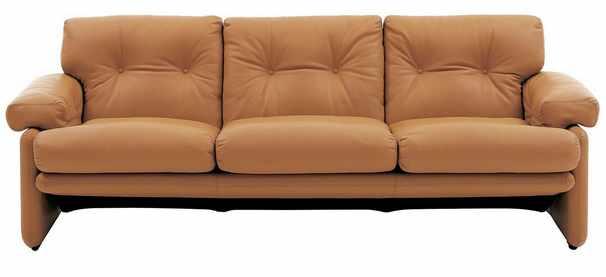 sofá marrón de cuero natural