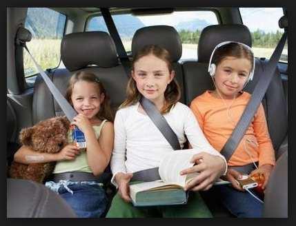 niños viajando